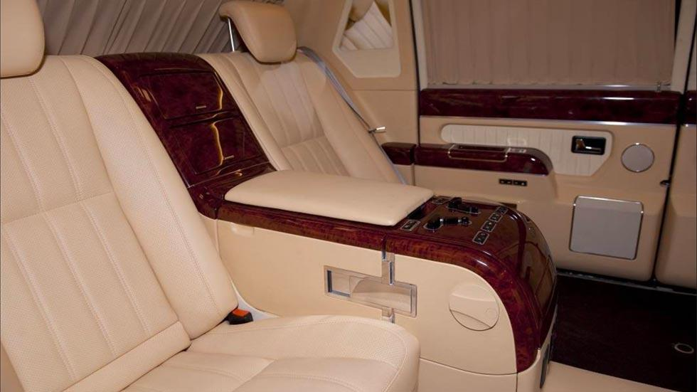 Limusina de Putin ZIL 4112R Vladimir Rusia presidente ruso coche soviético lujo