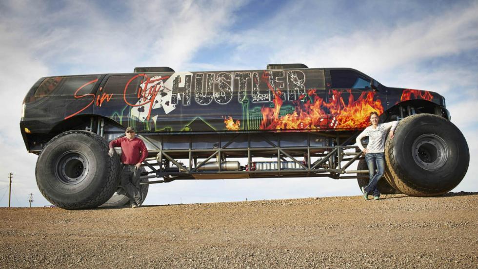 El 'Monster Truck' más largo del mundo (Récord Guinness)