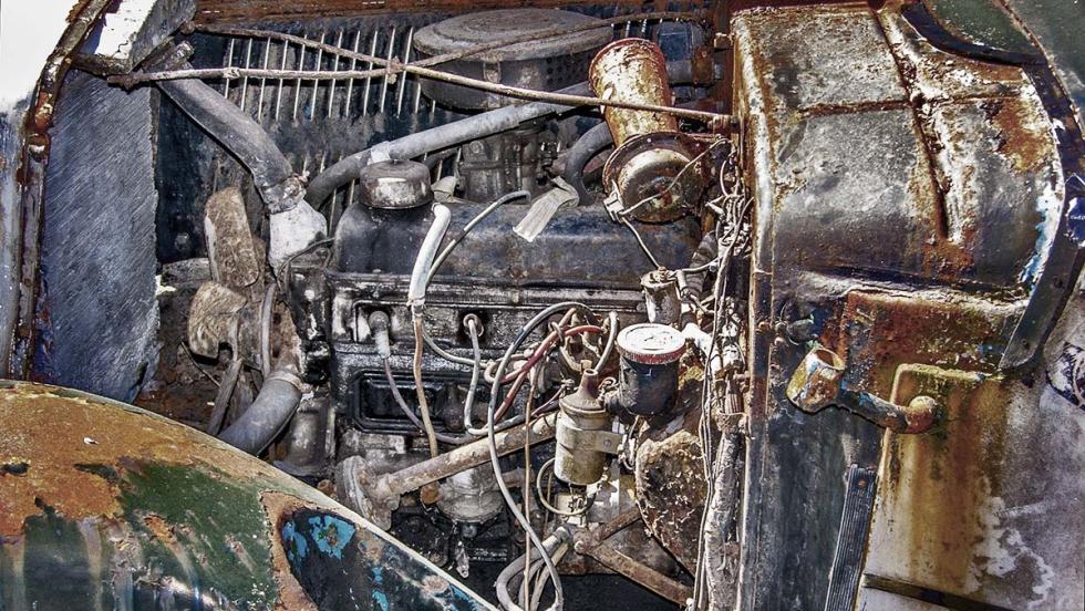 """""""El motor va de fábula, ¿eh?¡Se queda en dos cilindros y ni se para!"""""""