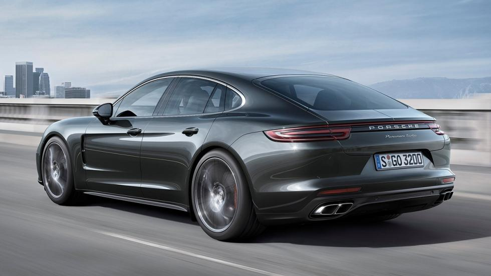Porsche Panamera Turbo - 306 km/h