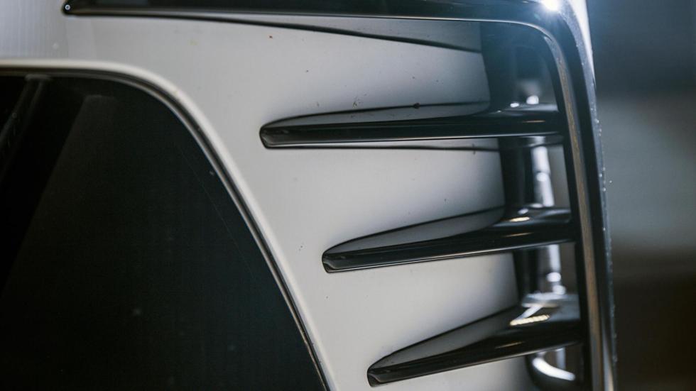 Volkswagen Golf GTI Clubsport detalle deportivo flap aerodinamica