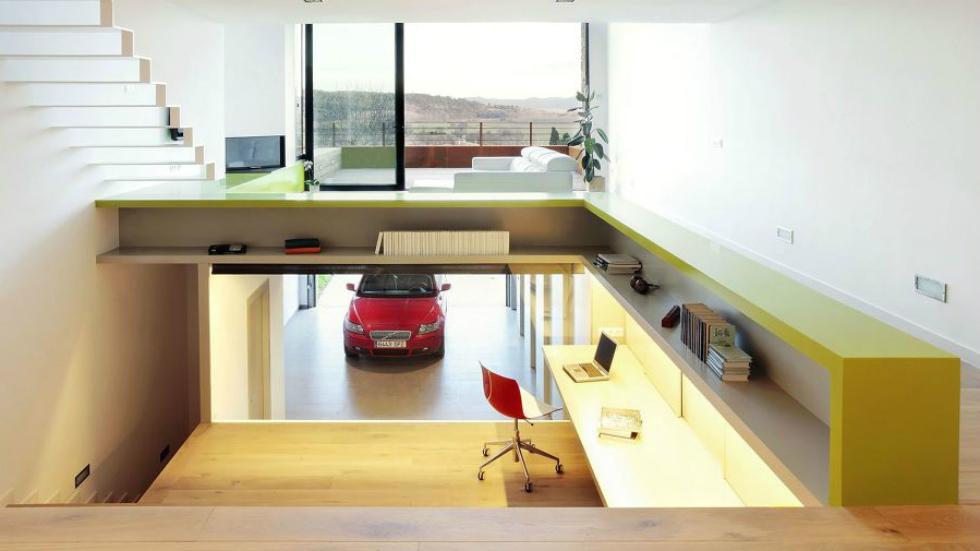 12. Garaje como centro de la casa (España)
