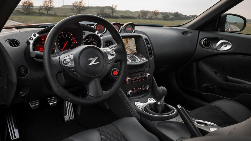 7 buenos coches que nadie quiere comprar - Nissan 370Z