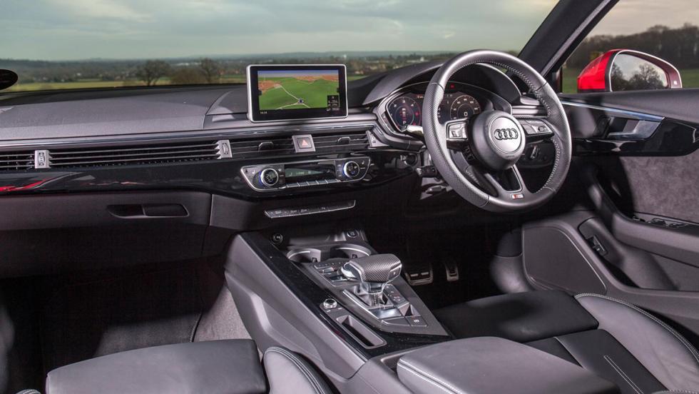 Comparativa exprés: Audi A4 Avant contra Mercedes-Benz Clase C Estate