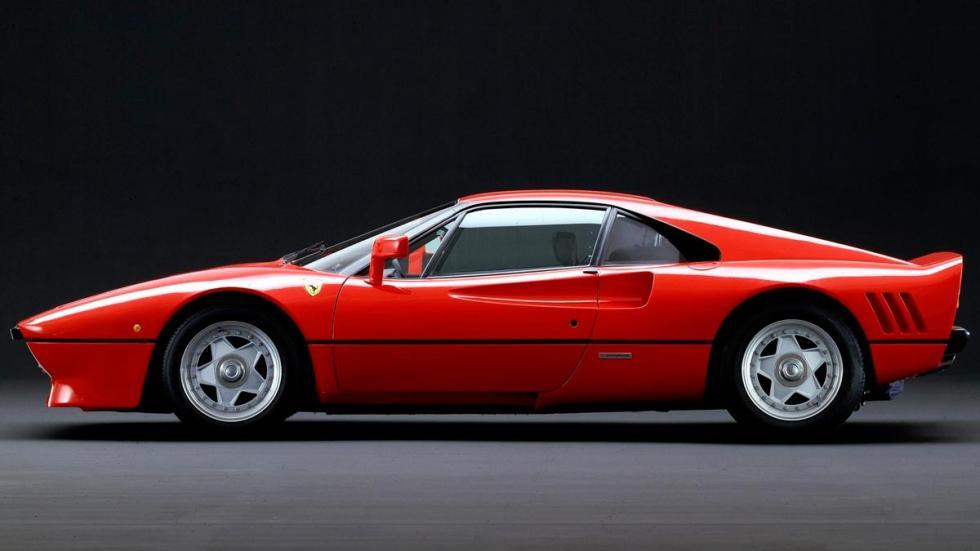 Ferrari 288 GTO clásico sobrealimentado turbo V8 motor superdeportivo clásico