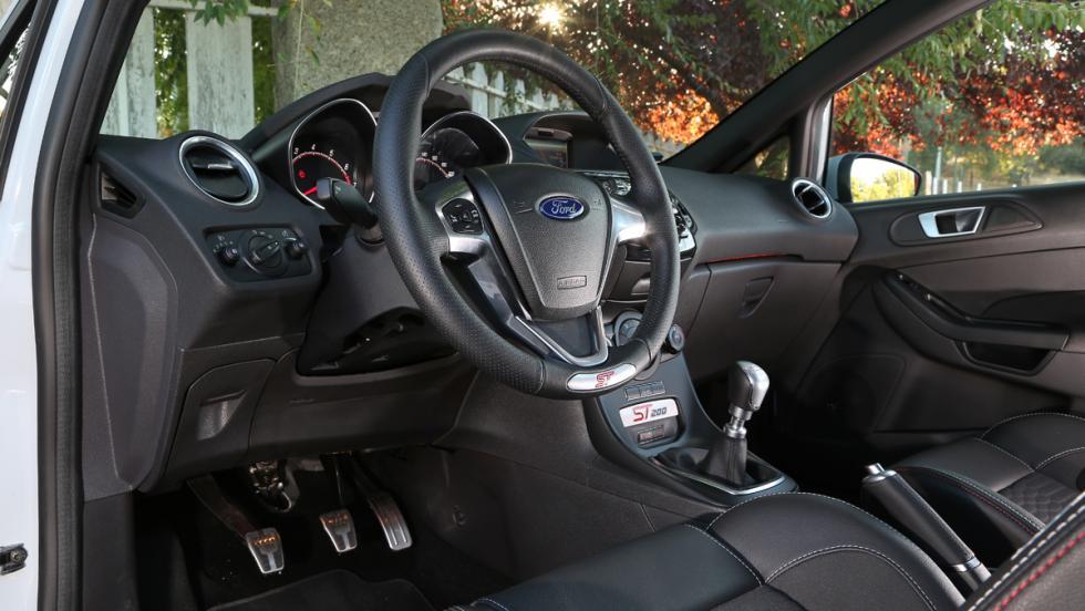 Ford Fiesta ST200 2016 (XV)