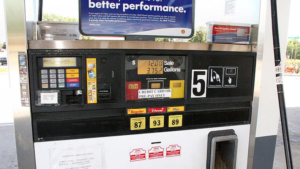 El precio de la gasolina está tirado