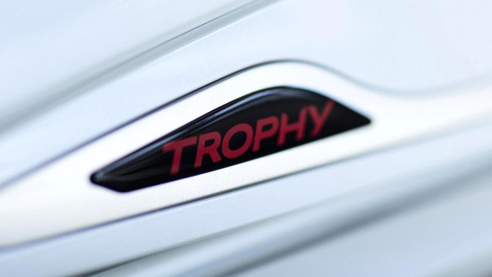 Renault Clio RS 220 Trophy: en detalle