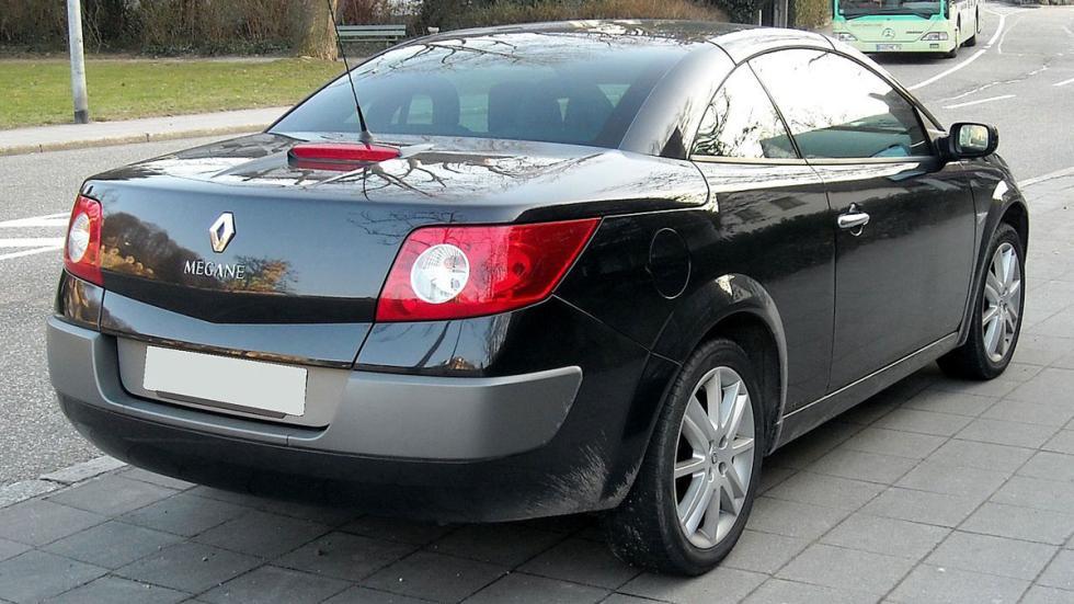 Renault Megane CC trasera descapotable compacto francés