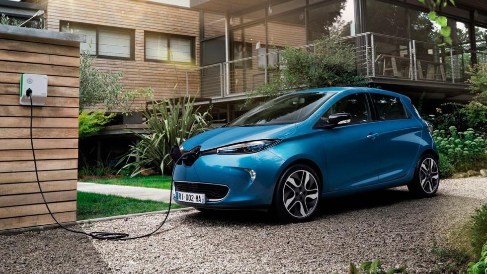 Renault Zoe 2016 coches eléctricos enchufe cargador cargando