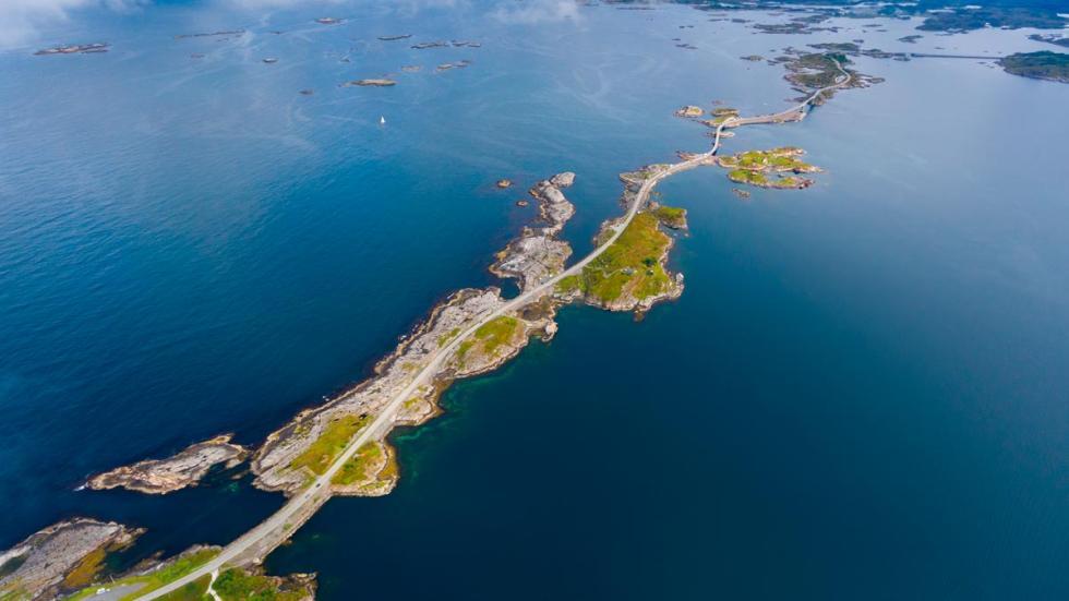 Ruta Atlántico, Noruega puentes mar peligrosa espectacular carreteras