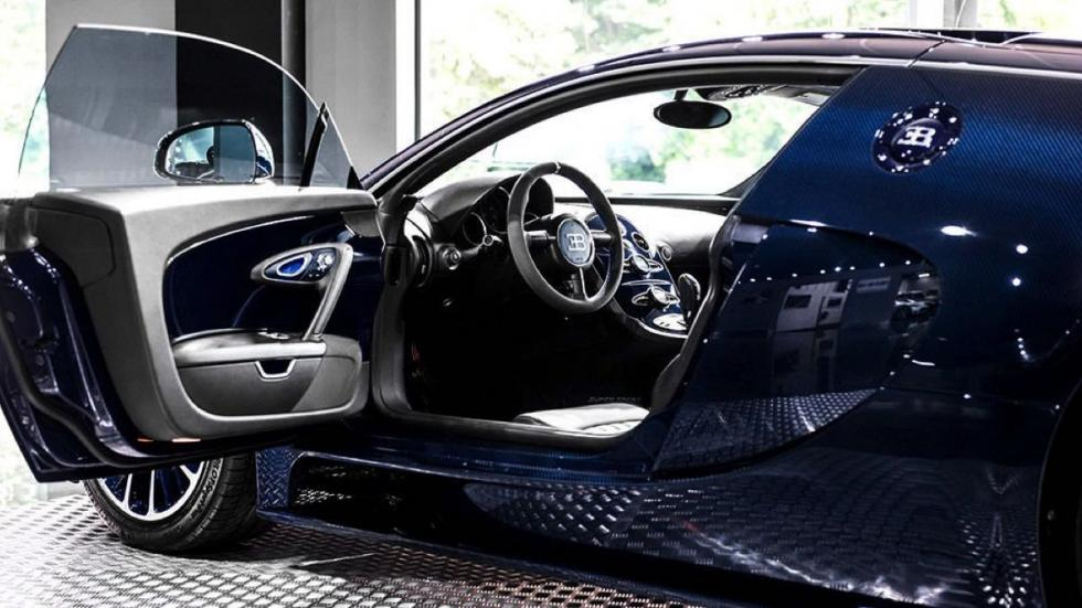 Bugatti Veyron Super Sport Blue Carbon interior