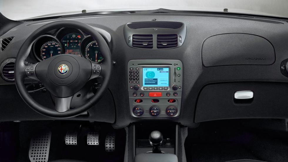 Alfa Romeo 147 GTA compactos deportivos radical blanco V6
