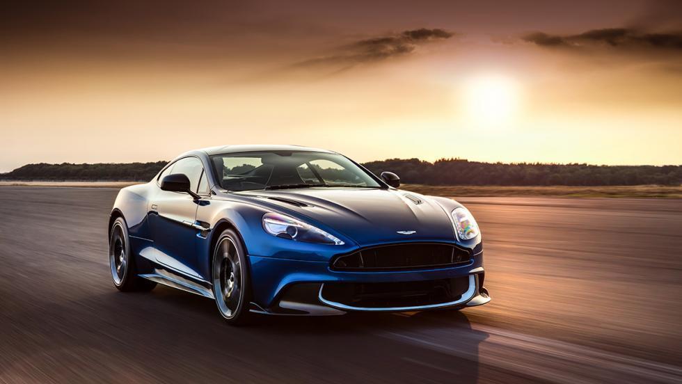 Aston Martin Vanquish S autobahn frontal azul