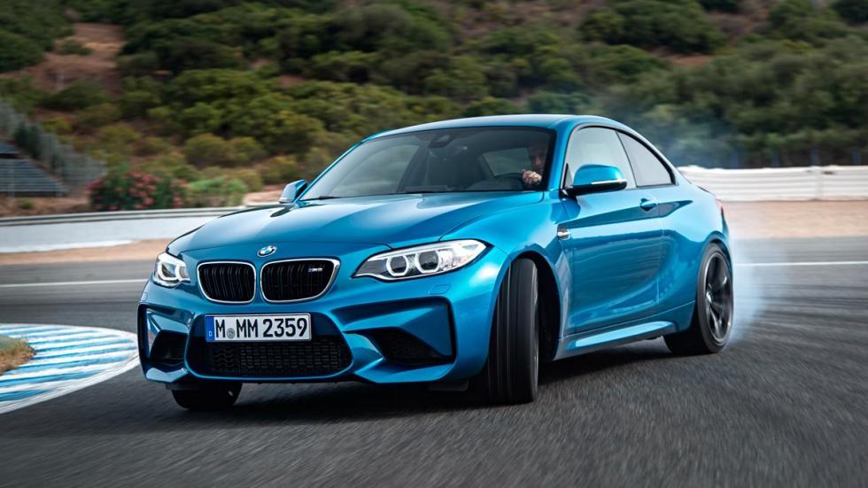 BMW M2 drift lluvia azul delantera deportivo circuito