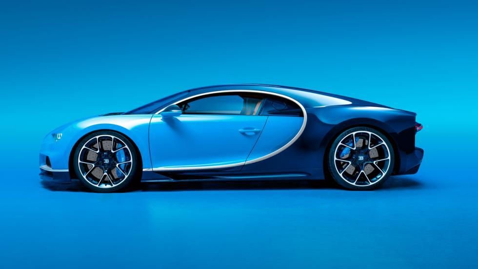 Bugatti Chiron Autobahn lateral lujo