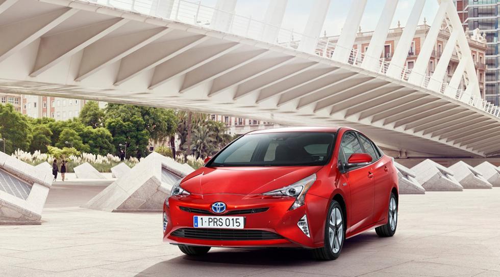 Coches feos pero prácticos - Toyota Prius 2016