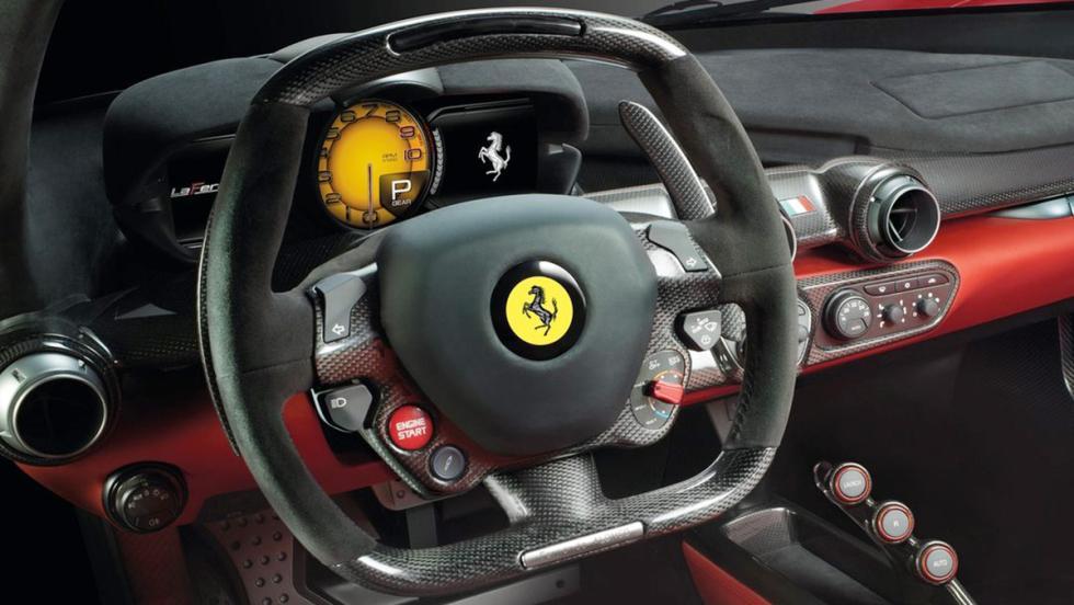 Los coches más lujosos y deportivos que puedes alquilar
