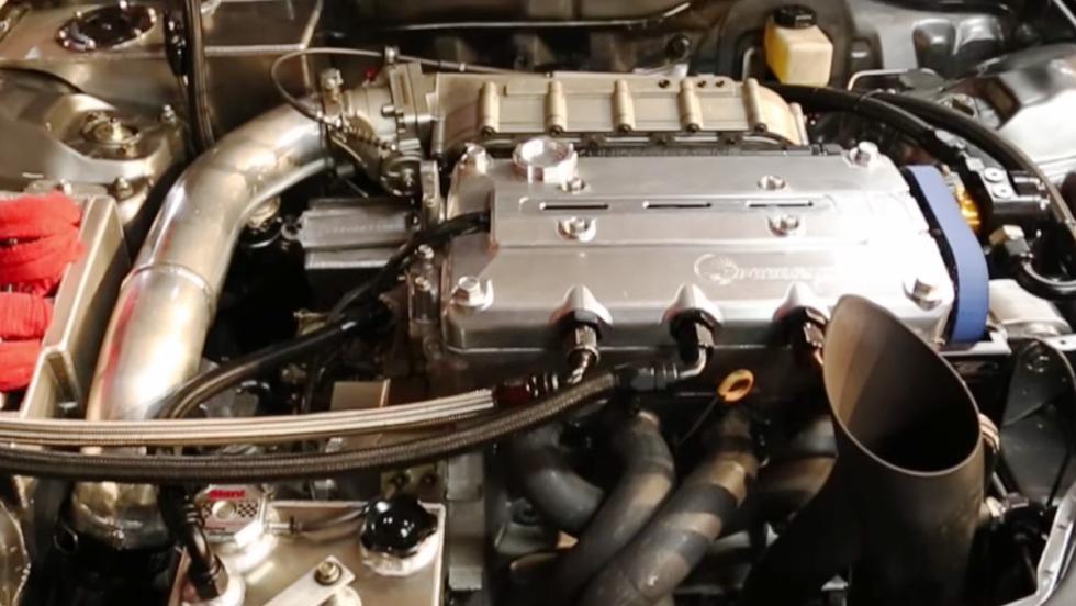 Flipa con el Honda Civic de 1.875 CV