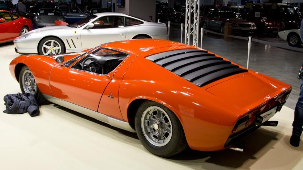 Lamborghini Miura trasera autoclassica lujo deportivo clásico