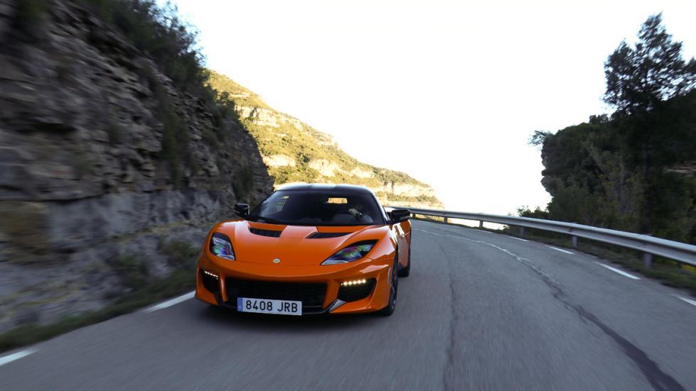 Lotus Evora 400 dinámicas naranja prueba frontal trasera puerto de montaña curvas