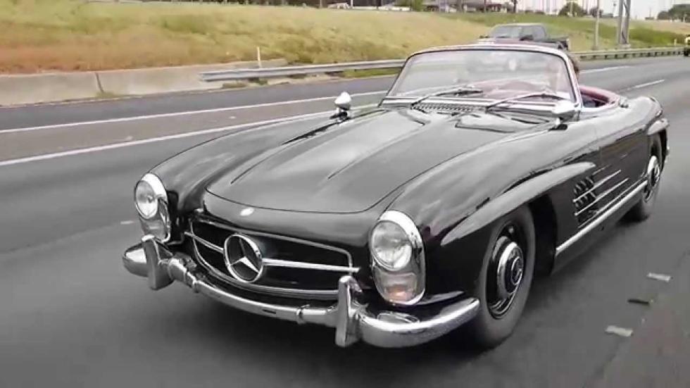 Nico a los mandos de este Mercedes 300 SL Roadster del 58. ¡Qué bonito!