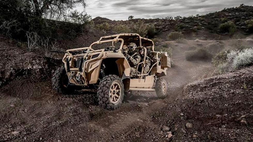 Polaris MRZR lluvia off-road barro tierra todo terreno militar