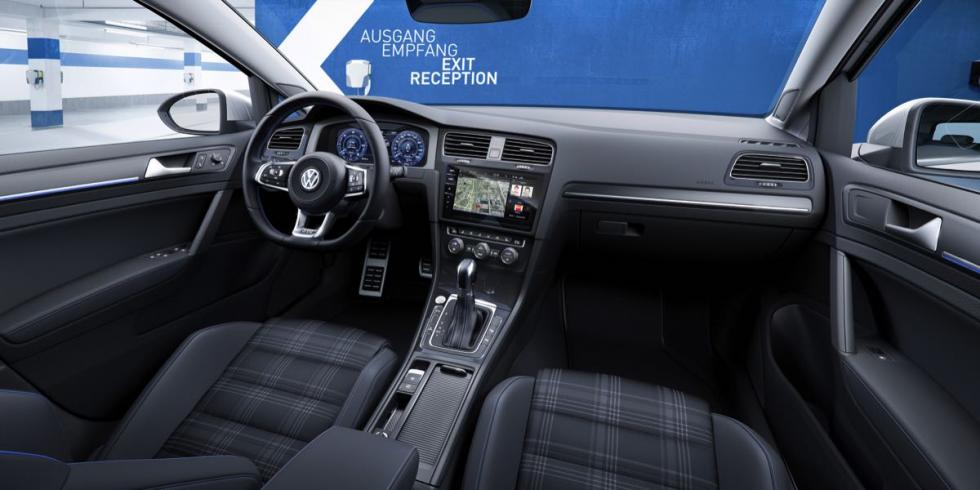 Volkswagen Golf 2017: interior