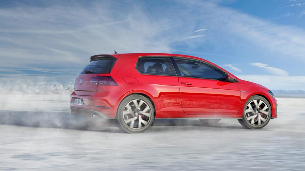 Volkswagen Golf GTI 2017 (lateral)