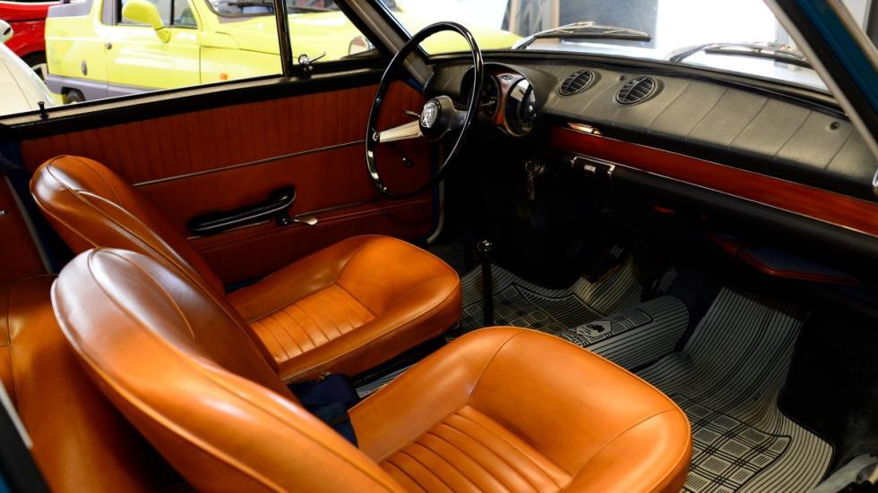Seat-850-Coupé-habitáculo