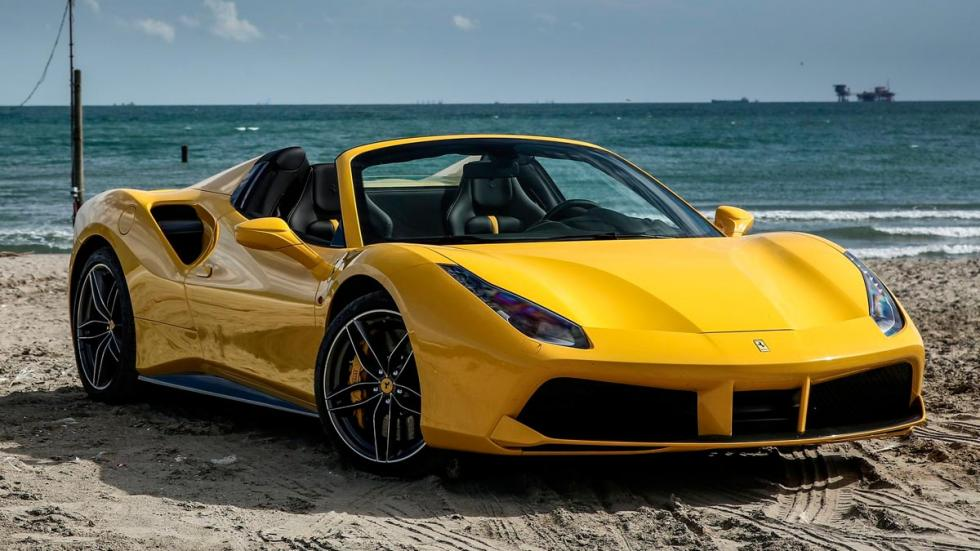 Ferrari 488 Spider deportivo descapotable italiano