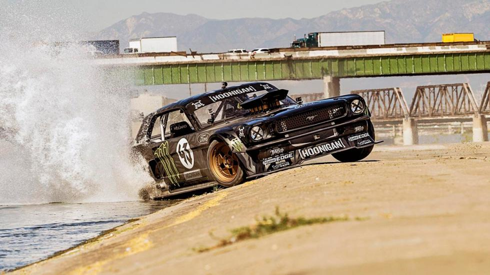 Ford Mustang Hoonicorn Ken Block coches garaje