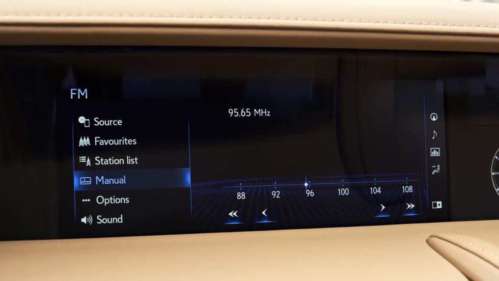 Lexus LC detalles de interior