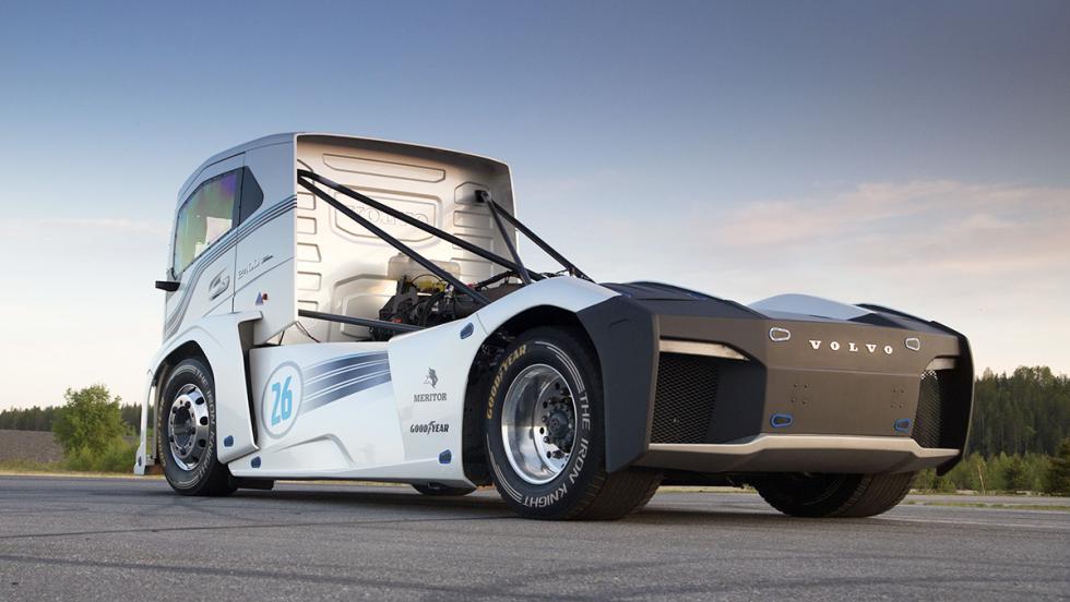 Los mejores coches para Papá Noel - Volvo Iron Knight