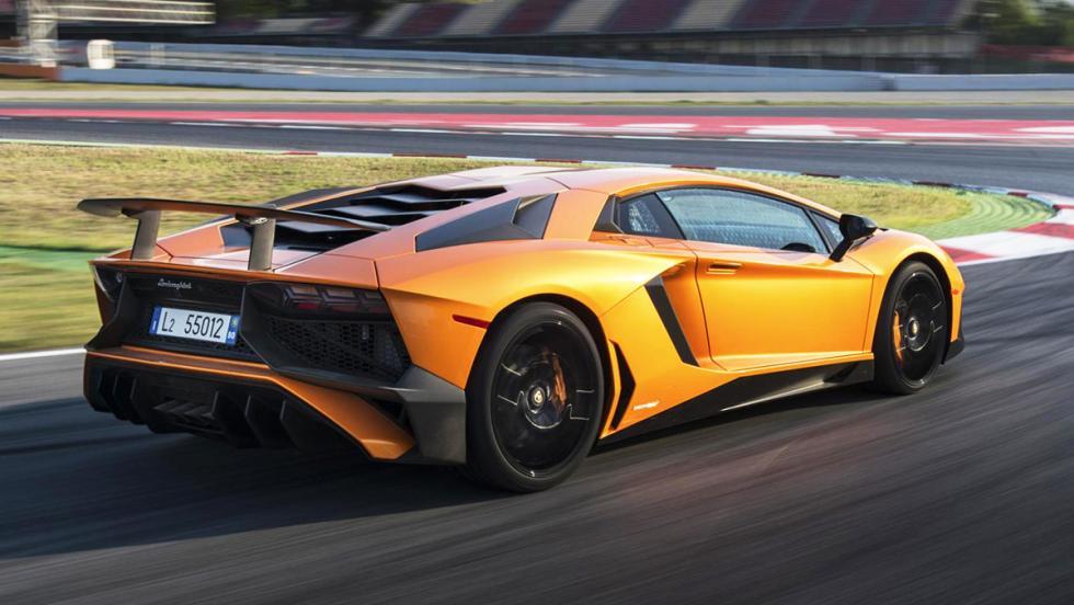 Los mejores coches que puedes comprar por menos de 300.000 euros - Puesto 6 - Lamborghini Aventador