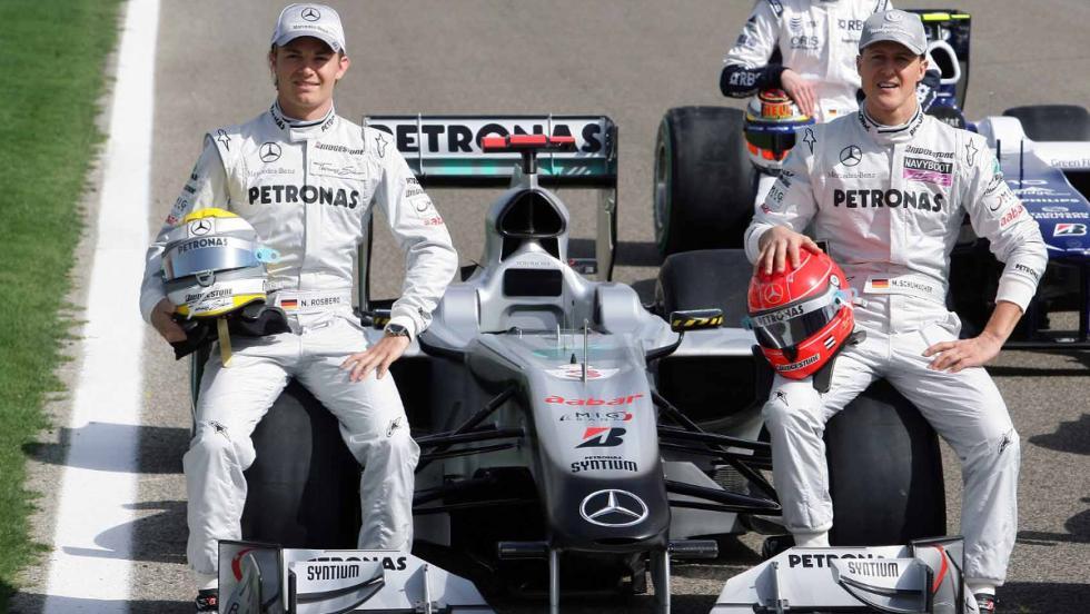 Nico fichó por Mercedes en 2010 y con Schumacher como compañero