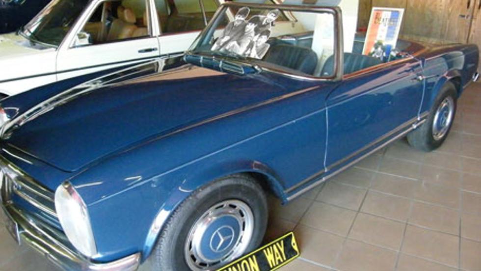 Parte lateral del interior del Mercedes 230 SL Pagoda de Lennon