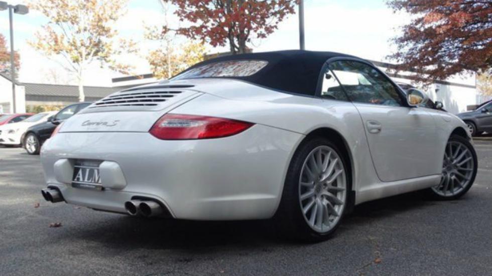 Porsche 911 con asiento central