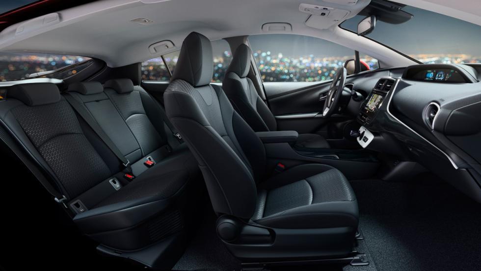 Toyota Prius 2017 (VI)