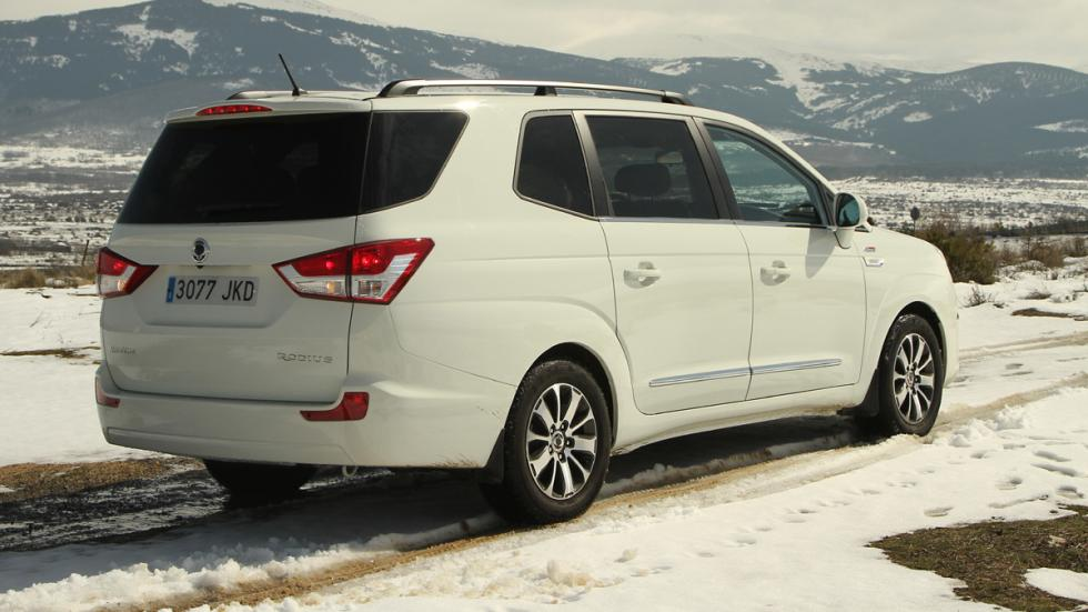 mejores-coches-viajar-invierno-ssangyong-rodius-zaga