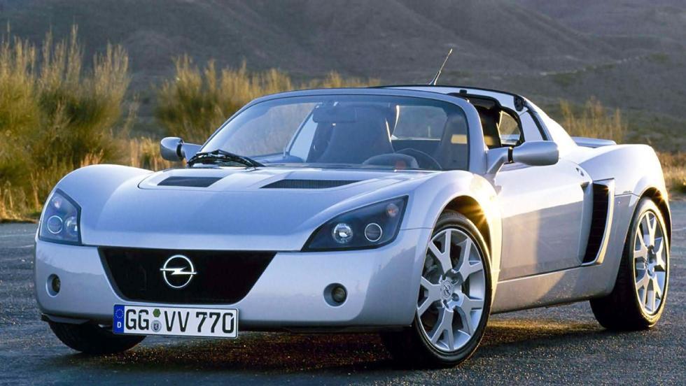 Cohetes que puedes comprar entre 8.000 y 130.000 euros - Opel Speedster - 19.000 euros