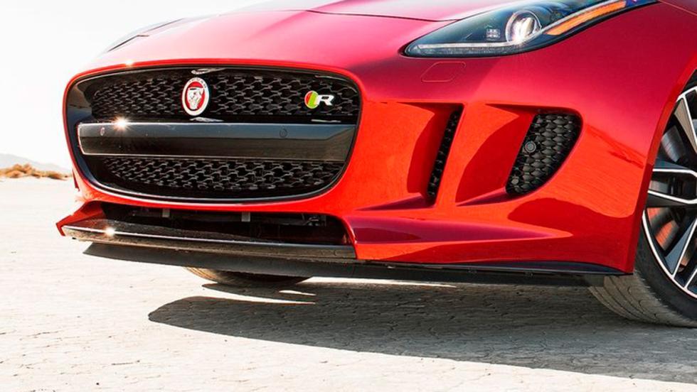 Jaguar F-Type-R tomas de aire