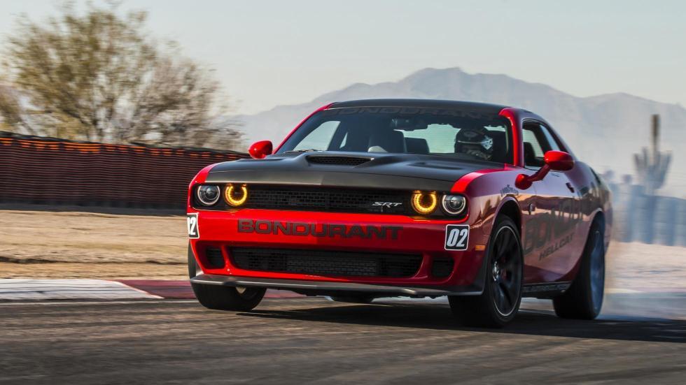 Dodge Challenger Hellcat derrapando