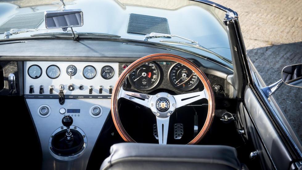 Eagle Spyder GT replica Jaguar E-Type clásico lujo