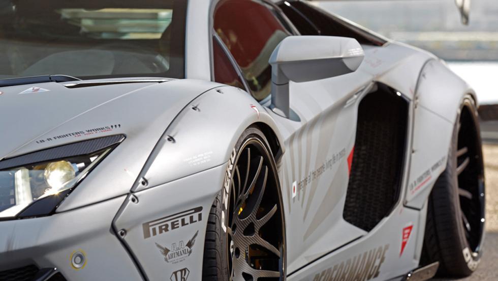 Lamborghini Aventador de Liberty Walk