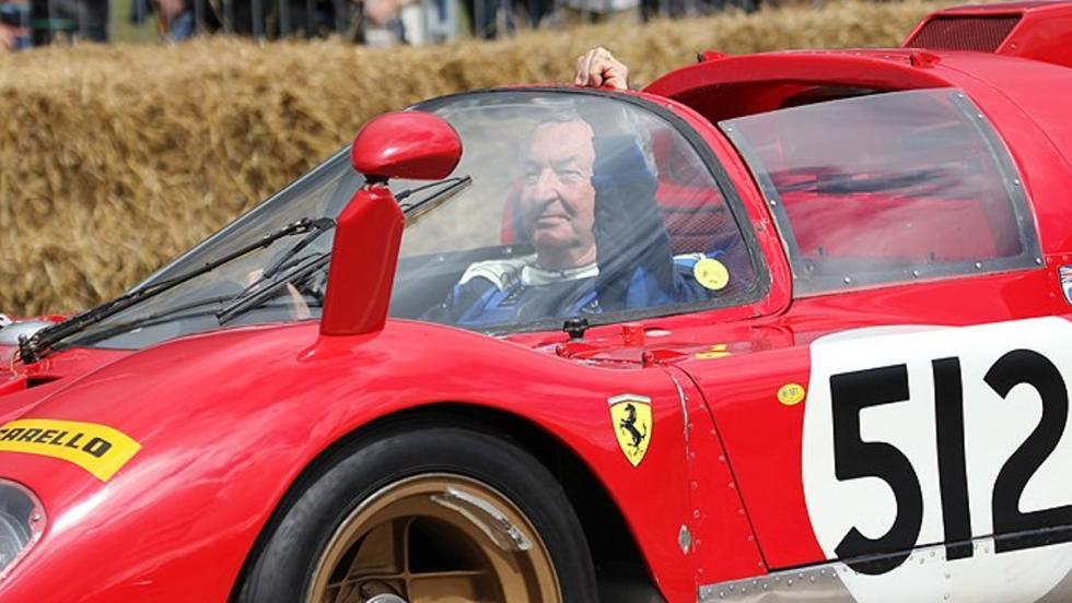 Nick al volante de su Ferrari 512s