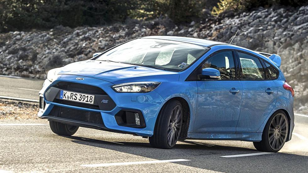 Stig exprime al Focus RS en el circuito de Top Gear