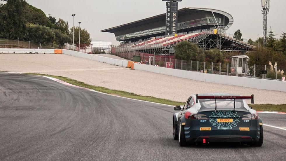 Tesla de carreras (II)