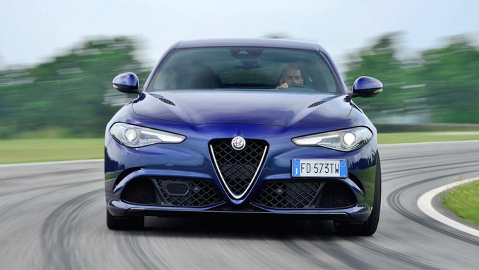Todas las pruebas de Chris Harris en Top Gear - Alfa Romeo Giulia Quadrifoglio Verde