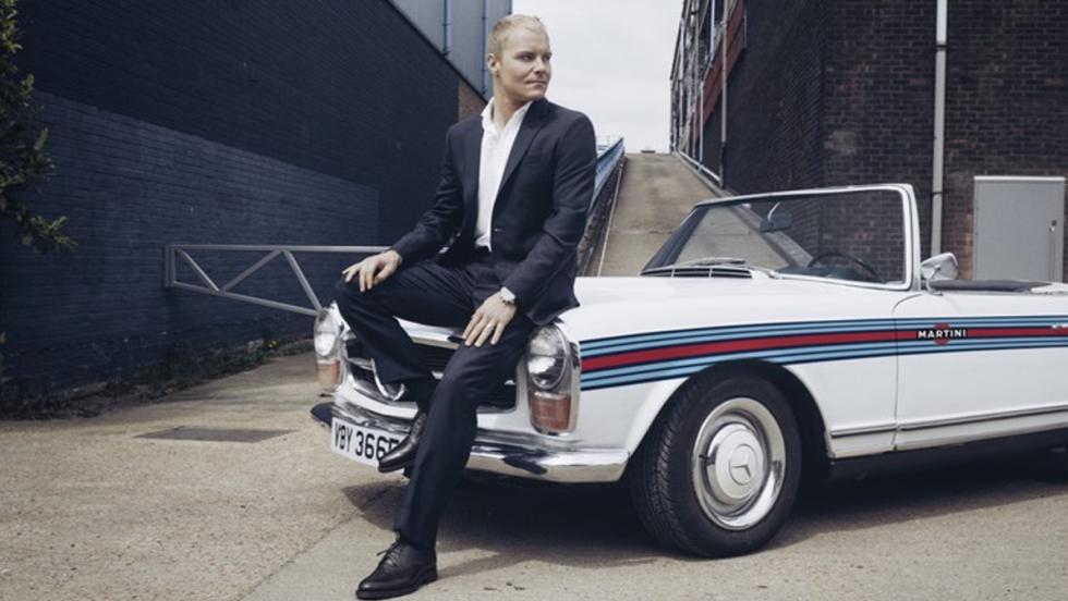 Valtteri posó con este precioso Mercedes descapotable